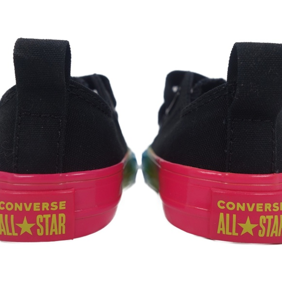 Toddler Size 9 Black // Multi 764277C Converse Chuck Taylor All Star 2V Ox
